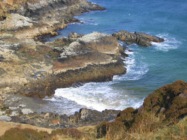 Shoreline at Bun Abhainn na Cloich