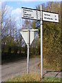 TM1871 : Roadsign on Green Lane, Redlingfield by Adrian Cable