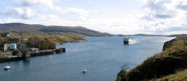 Ferry entering Tarbert