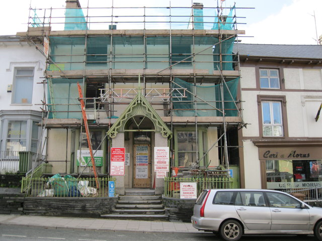 Gwaith adeiladu - Building work
