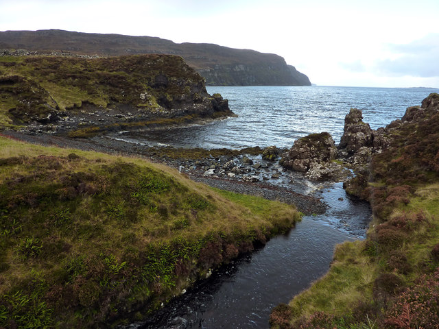 Stream and small beach on the west side of the Greshornish Peninsula