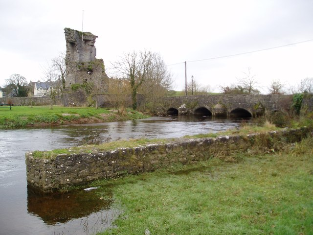 Castle ruins and River Suir, Golden