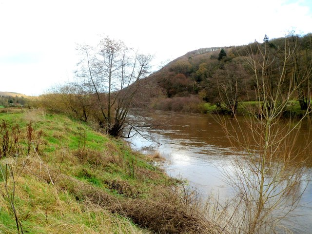 England/Wales border in the middle of the Wye, Llandogo