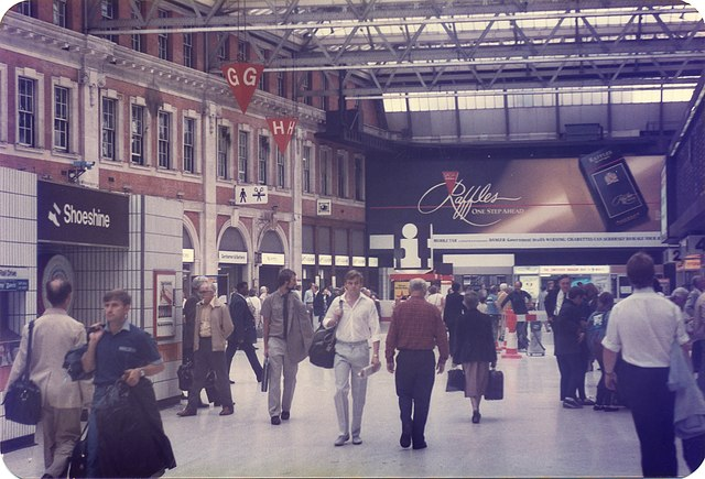 Waterloo Station concourse (2)