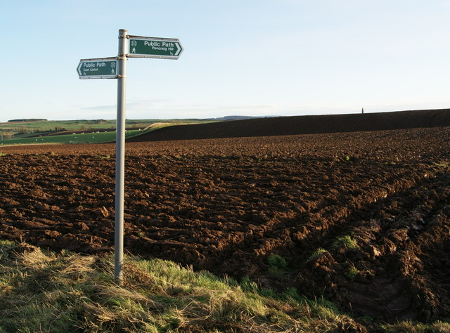 """""""East Linton/Pencraig Hill"""" Right of Way Sign"""