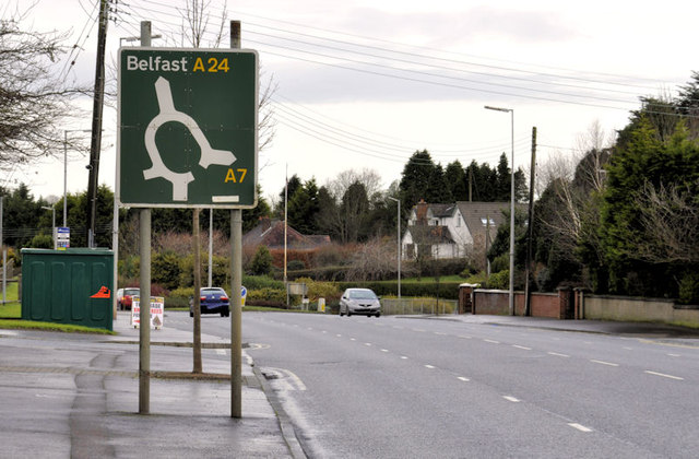 """Roundabout"" sign, Carryduff"
