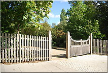 TM1644 : Entrance to Christchurch Park by N Chadwick