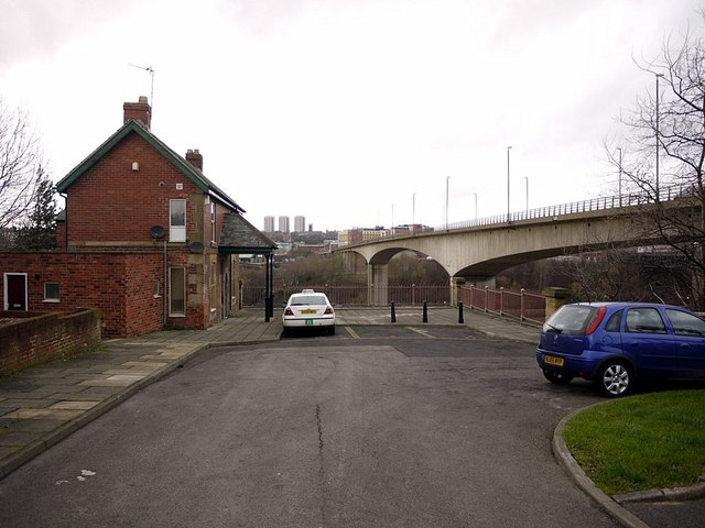 Old Redheugh Bridge abutment and Toll House