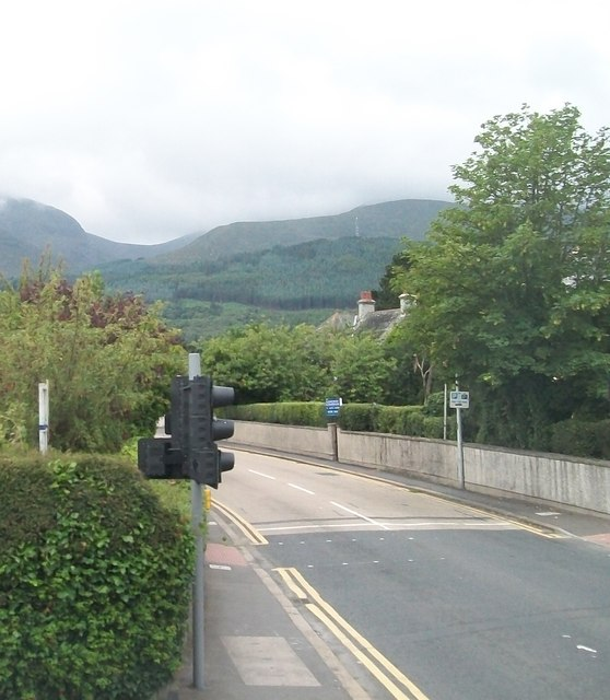 View south along Shimna Road from the junction with Bryansford Avenue