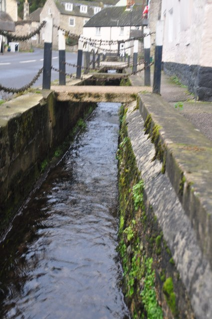 Axmouth : Flowing Water