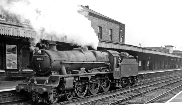 Stanier 'Jubilee' 4-6-0 at Willesden Junction (Main Line)