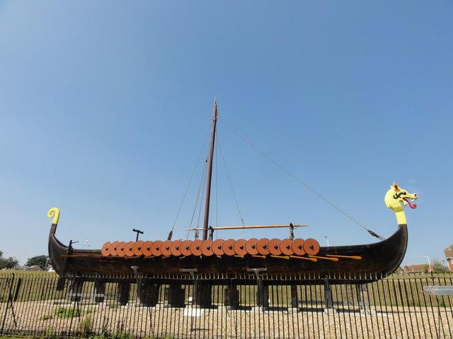 Ship A Car >> Cliffsend, A256, Viking Longboat 'Hugin' © Helmut Zozmann cc-by-sa/2.0 :: Geograph Britain and ...