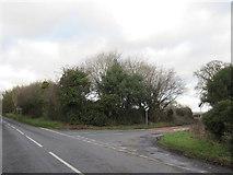 SO9969 : Tardebigge B4096 - Junction For Alvechurch & Brockhill by Roy Hughes