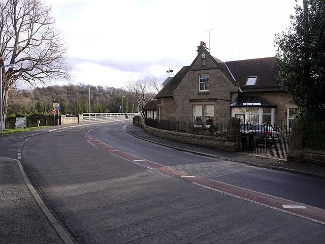 The Toll House and north end of Wylam Bridge