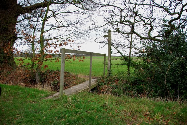 Stile and Footbridge on Four Ashes Road