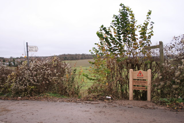 Footpath to Walton on the Hill, Langley Vale Road