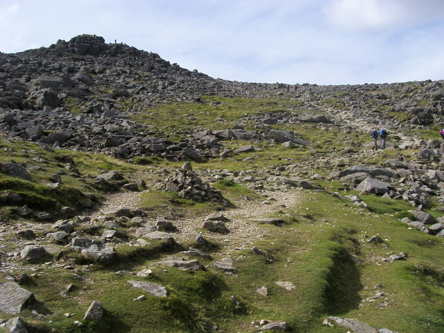 Footpath heading to the summit of Bowfell