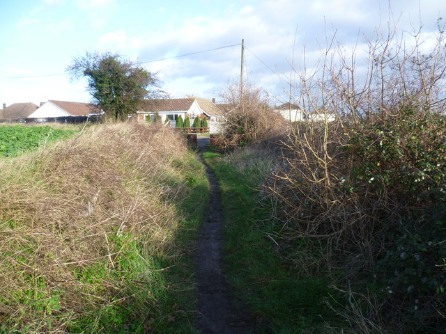 Footpath leading to Shirehall Road, Hawley
