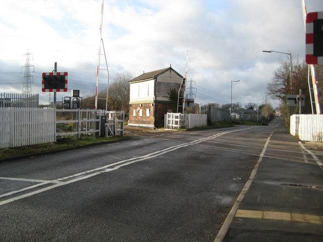 Hawkesbury: Black Horse Road level crossing