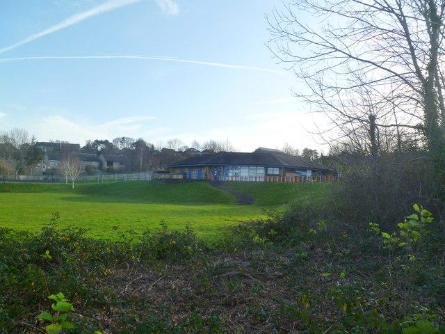 Corfe Mullen, Henbury View First School