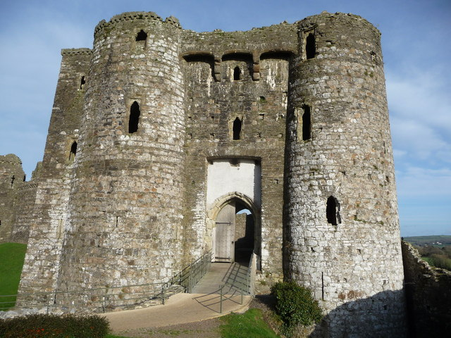 Kidwelly Castle gatehouse