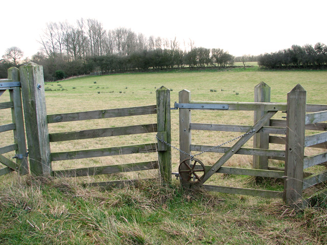 Pasture gate beside the path to Little Wenham