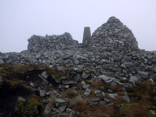 Cold Fell shelter, trig point and cairn