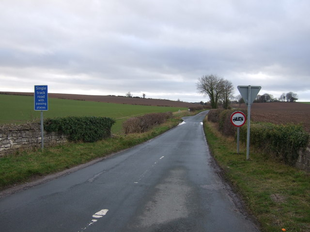 Saxton Lane heading west