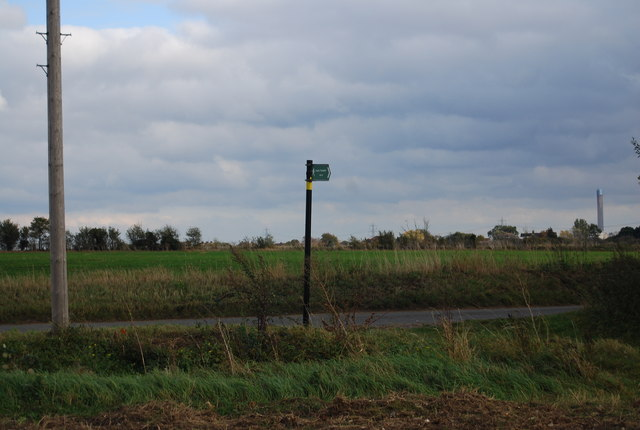 Footpath sign, Cuckold's Green Rd