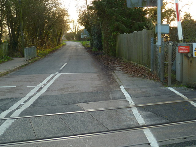 Blackboy Lane looking south from the level crossing