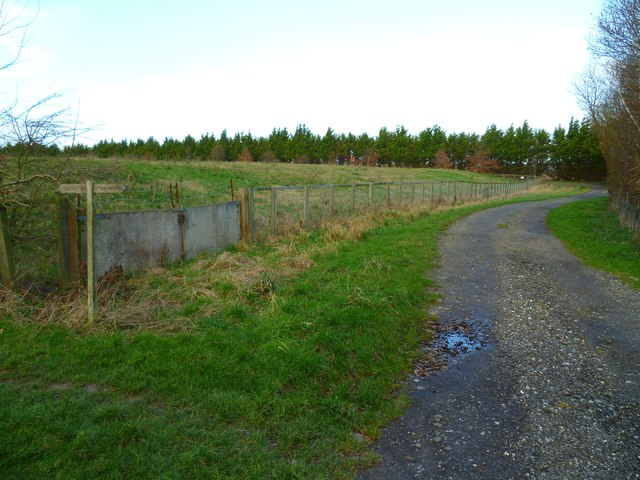 Path sign at corner of reservoir east of Bosham