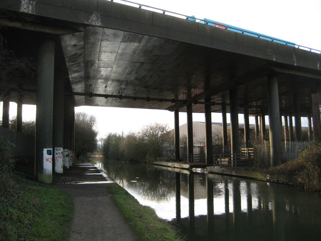 Coventry Canal: M6 Motorway bridge