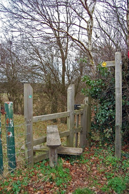 Stile to Footpath off B2099