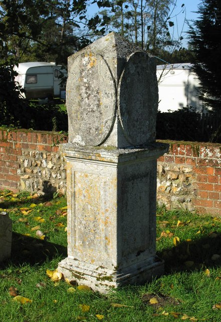 St Katharine, Gosfield - Churchyard