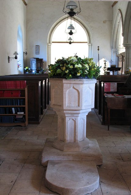 St Peter & St Paul, Bardfield Saling - Font