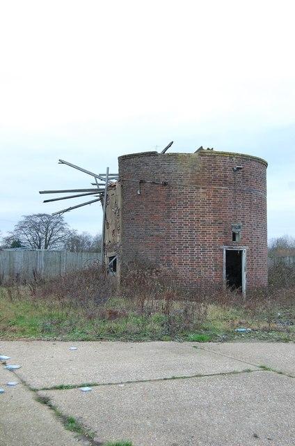 Ruined Oast House, Tong Farm
