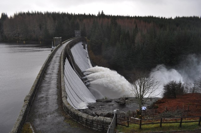 Laggan Dam in Full Flow