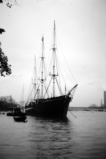 RSS Discovery - River Thames 1968