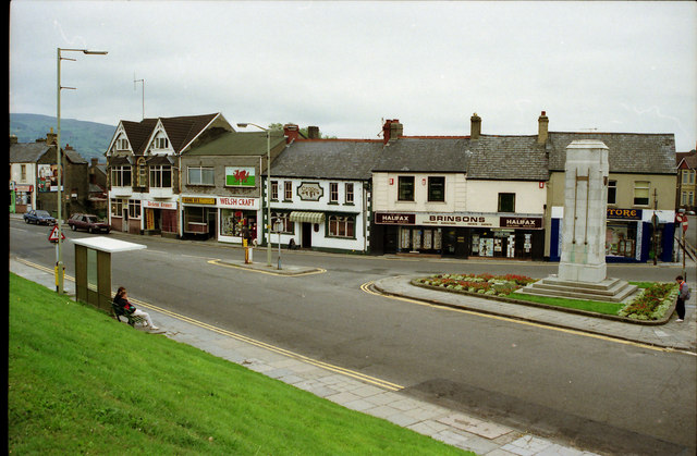 Caerphilly Town Centre from 1989 before reconstruction