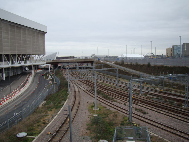 Plethora of railway lines into Stratford, viewed from Westfield Way