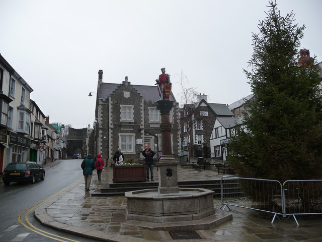 Llywelyn the Great statue in Conwy