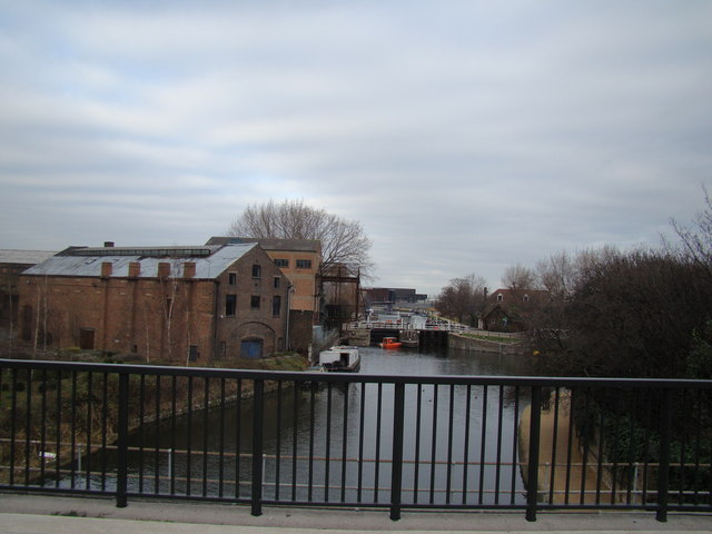 View along the Lea towards Hackney Wick from the Greenway bridge