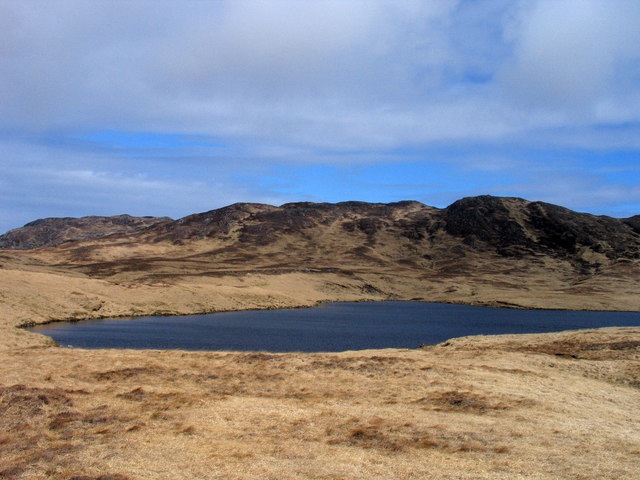 Loch south of Beinn Tarsuinn