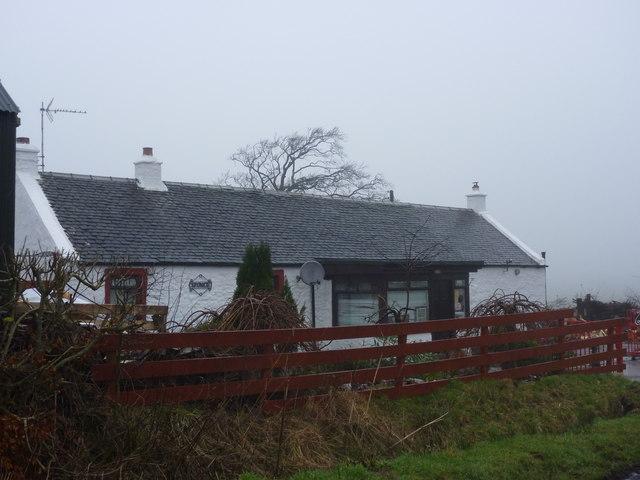 Northern East Ayrshire : Spunkie Cottage near Uplawmoor