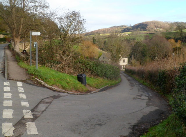 Road to The Vatch and Elcombe, south of Slad