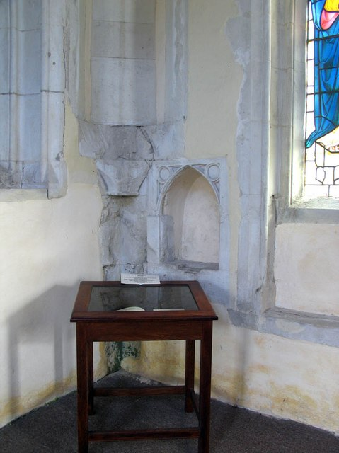 St Mary Magdalene & St Mary the Virgin, Wethersfield - Piscina