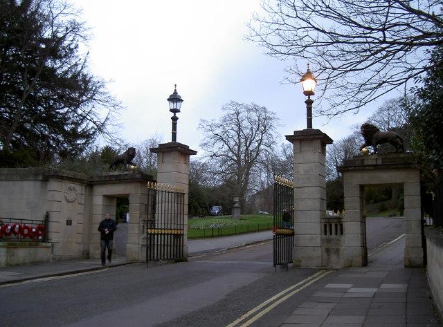 Royal Avenue gates at dusk