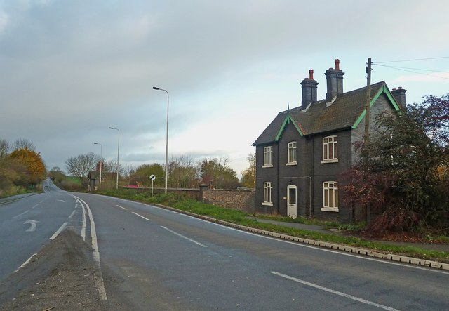 Blue brick houses west of Atherstone