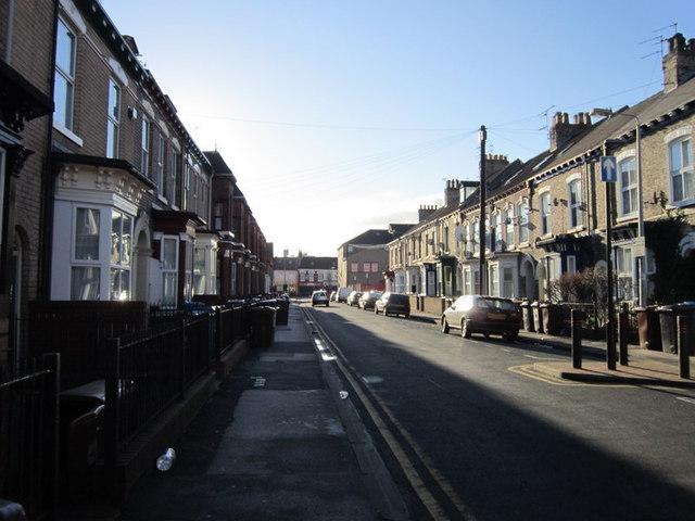 Peel Street towards Spring Bank (road),  Hull