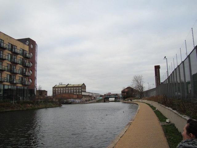 Looking along the Lea Navigation to the White Post Lane bridge